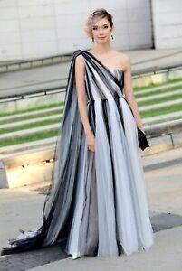 $3990 Carolina Herrera NEW Dramatic Draped Train Striped Tulle 1 Shoulder Gown 6