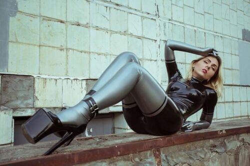 "Gummy Rubber Bodysuit Details about  /Exclusive Latex Catsuit /""Trio/"" Anatomical shape, molded"