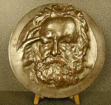Médaillon XIX portrait de Victor Hugo sc René Rozet élève de Cavelier d'ap Nadar