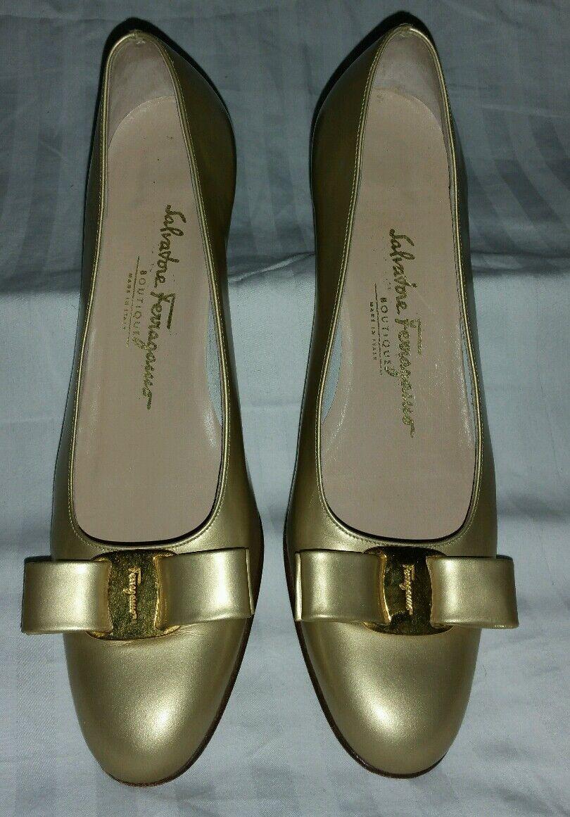 Salvatore Ferragamo Gold heels sz 8 1 2 AAAA Recent style, Excellent condition