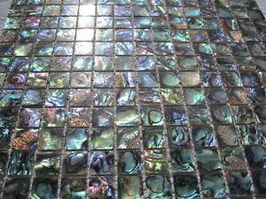 Abalone-Mosaik, ECHT, Natur (Paua /See-Opal)mit Fuge,20x20 mm,1 Matte 300x300 mm - <span itemprop='availableAtOrFrom'>Oldenburg, Deutschland</span> - Abalone-Mosaik, ECHT, Natur (Paua /See-Opal)mit Fuge,20x20 mm,1 Matte 300x300 mm - Oldenburg, Deutschland
