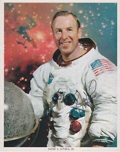 James A. Lovell signierte Autogrammkarte
