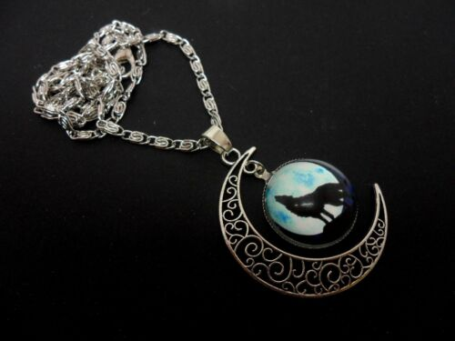 """A LOVELY  MOON WOLF THEMED TIBETAN SILVER  NECKLACE 18/"""" CHAIN NEW."""