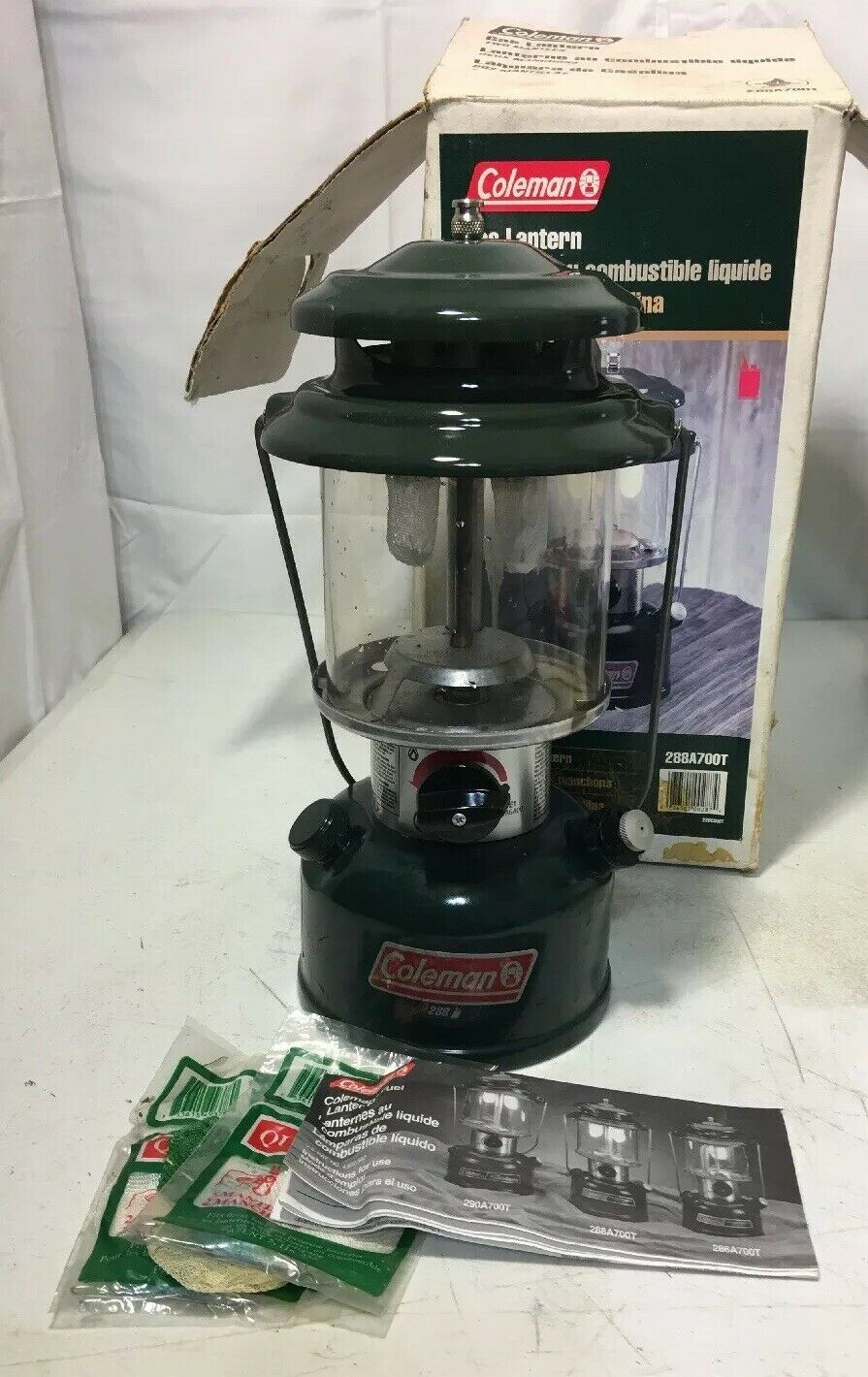 VINTAGE COLEMAN 288A DOUBLE MANTLE LANTERN DATED 3  99 WITH BOX AND PAPERWORK  new style