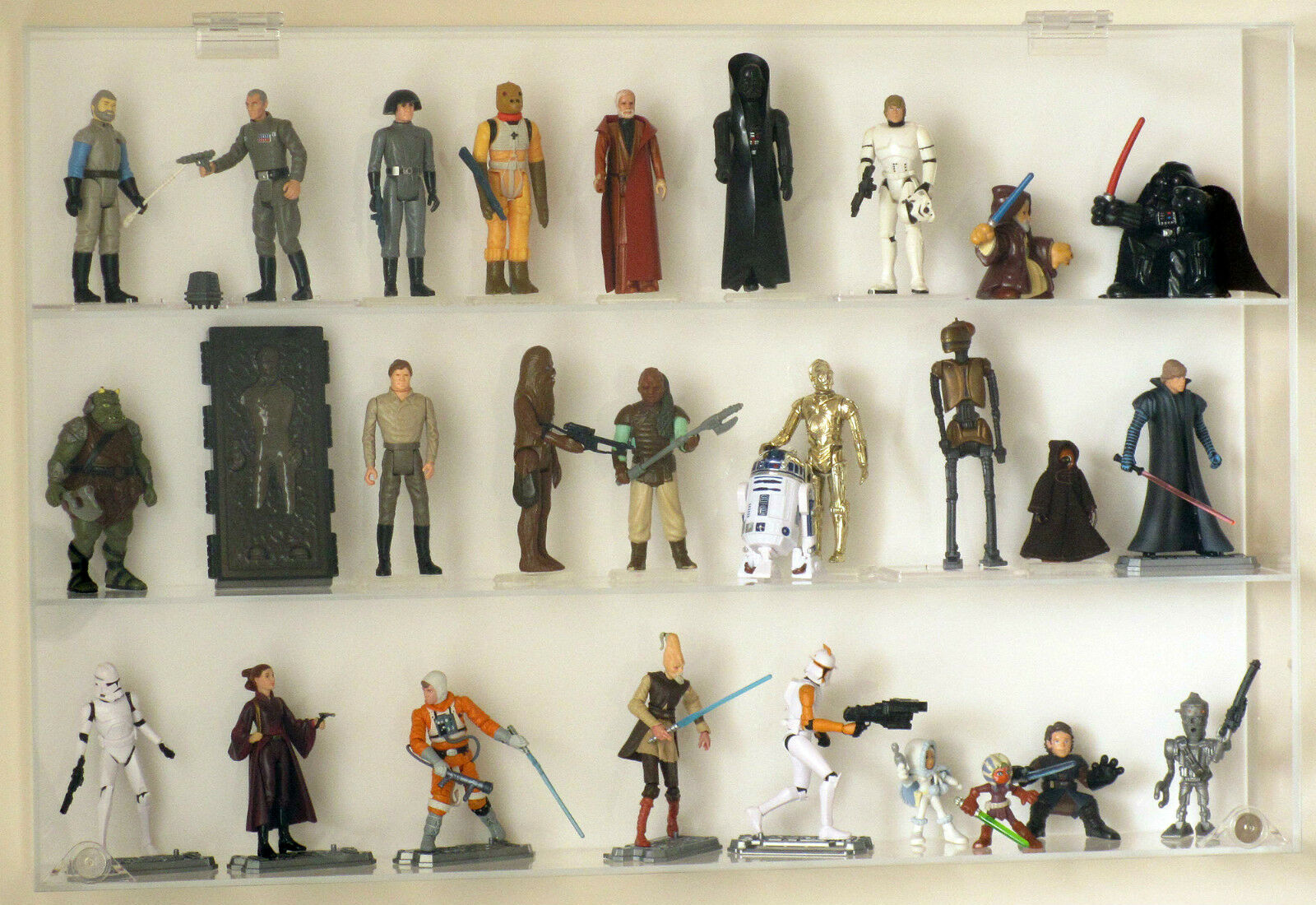 Collectors Showcase - Premium Display Case for 3-3 4  Star Wars Figures - S2MS