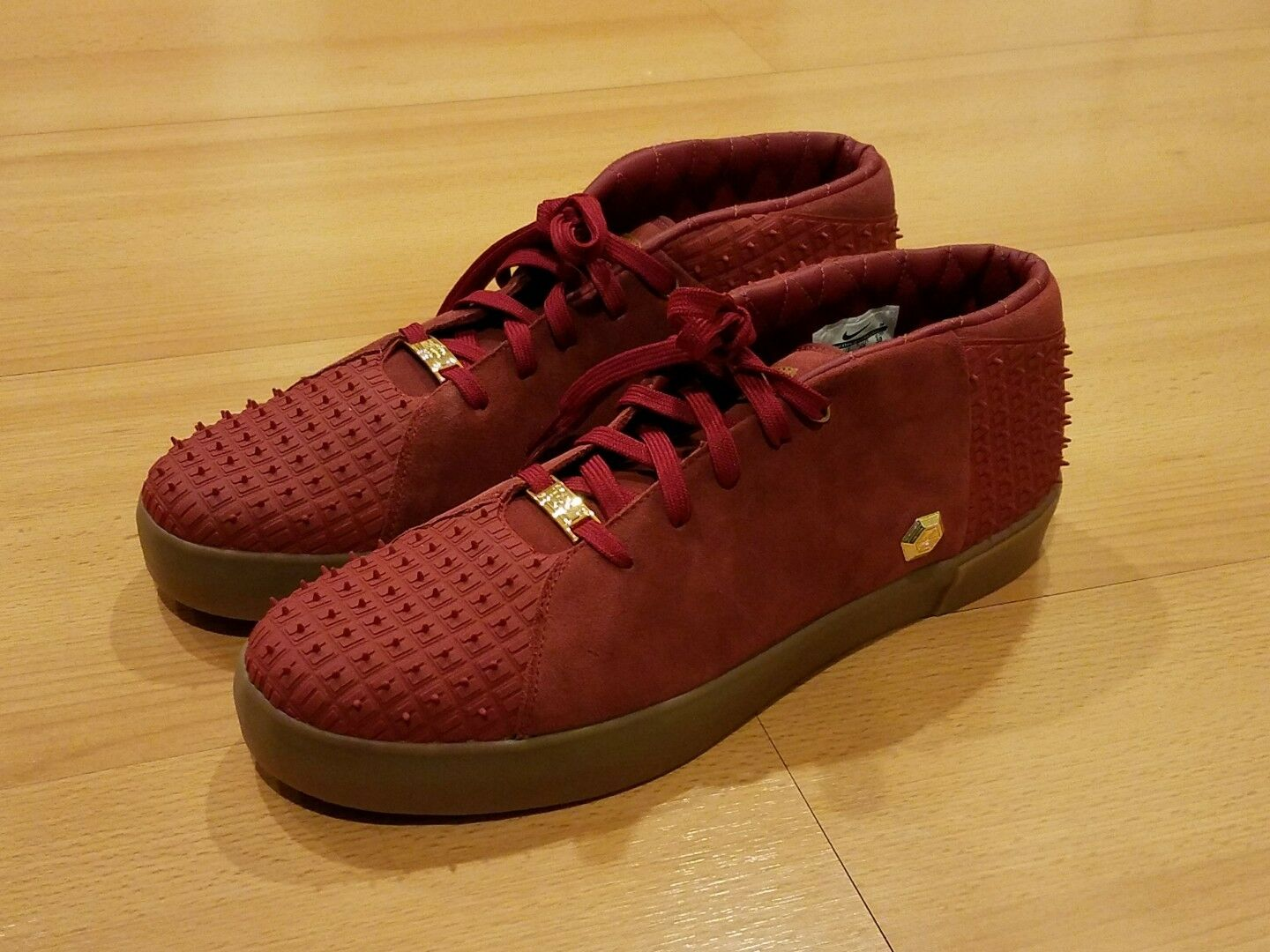 NIKE LEBRON JAMES XIII LIFESTYLE TEAM RED SUEDE SNEAKERS 806396 600 MENS SZ 12