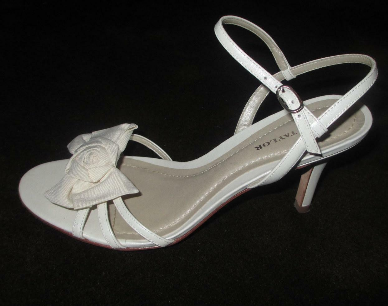 ANN TAYLOR 6 Ivory strappy heel sandals EUC bow Leather upper fabric frnt bow EUC BRAZIL a71d76