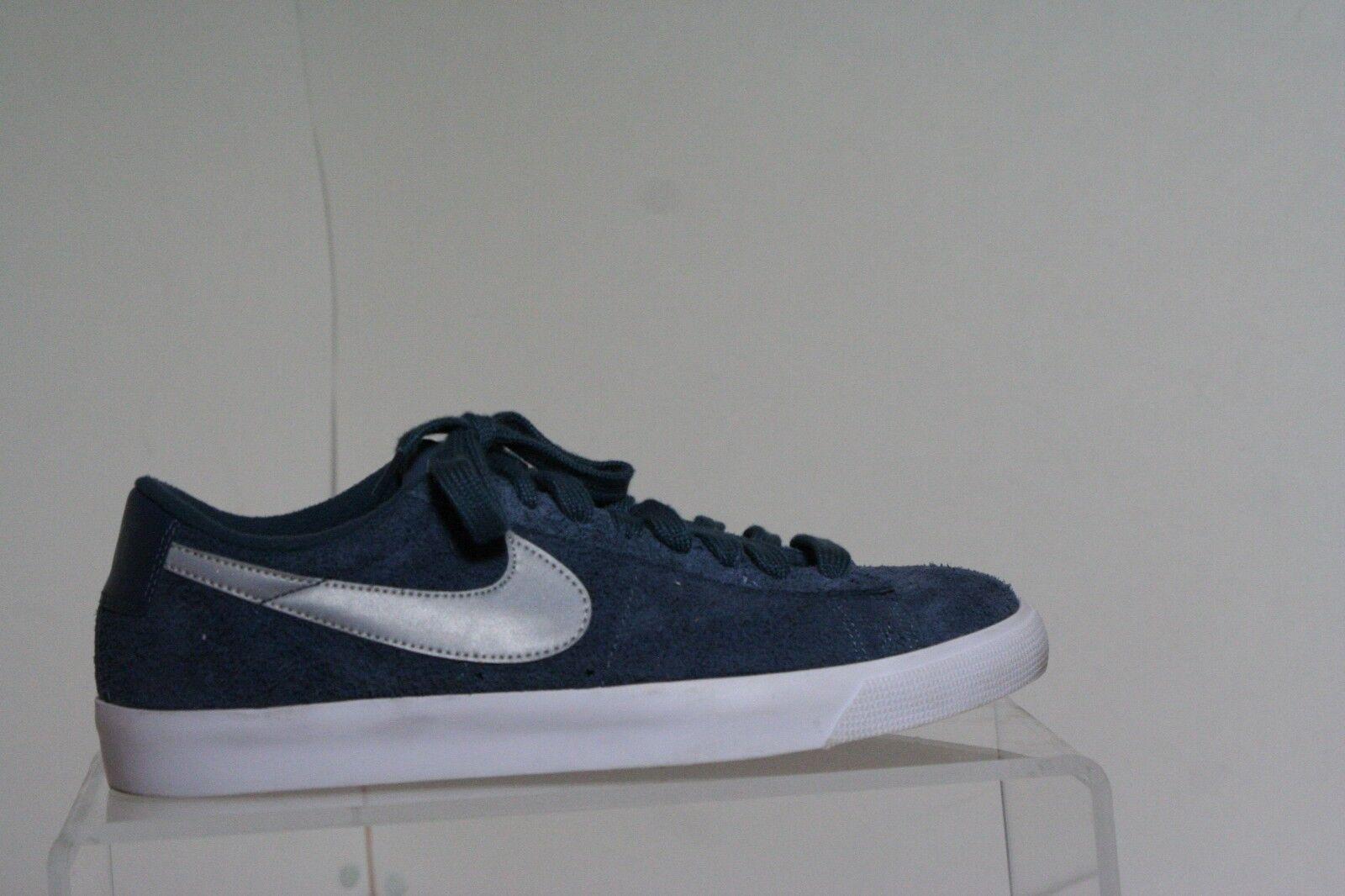 Nike blazer basso gt grant taylor con scarpe da ginnastica