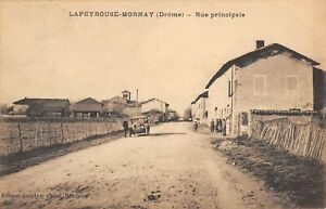 CPA 26 LAPEYROUSE MORNAY RUE PRINCIPALE