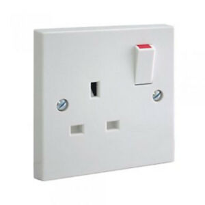 PIFCO-White-Single-1-Gang-Plug-Electric-Wall-Socket-Switched-Square-Edge-13-Amp