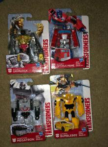 4 Transformers Authentics Figures Bumblebee Starscream Megatron Optimus Prime