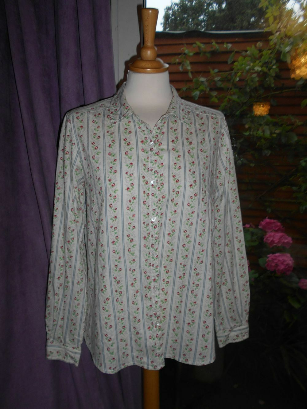 Cath Kidston London Size 12 Very Pretty Retro pink Bud Shirt Blouse 100% cotton