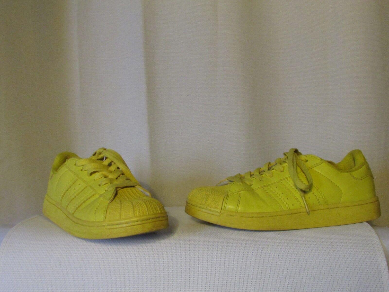 Zapatillas superstar adidas pharrell williams cuero amarillo talla 39 1 1 1 2  A la venta con descuento del 70%.