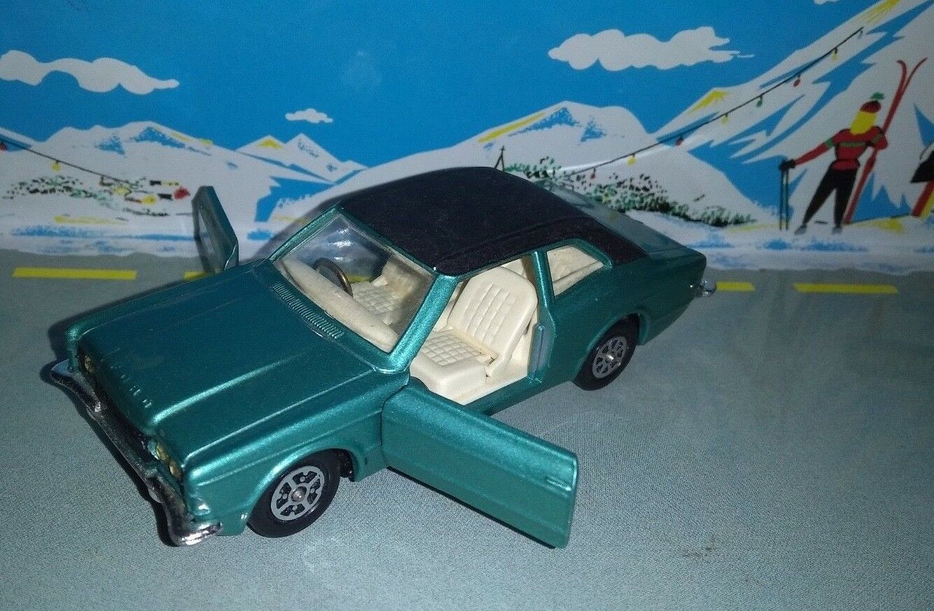 Corgi toys britain 1 43 ford cortina gxl superb