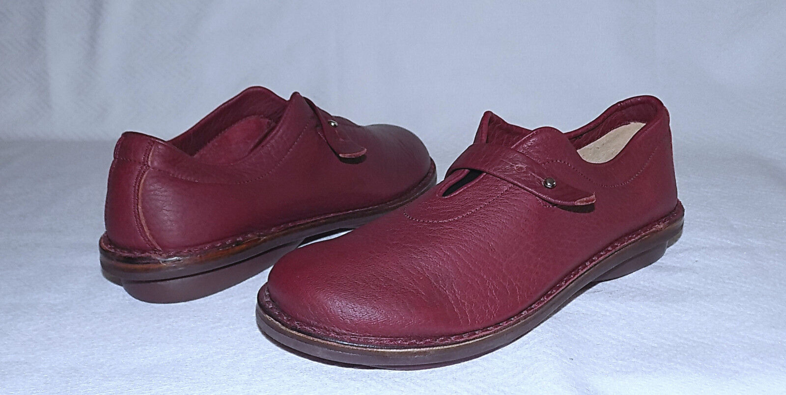 TRIPPEN Germany -Pelle Mary Jane FLATS-Size 38/8M-Red color-worn 1 Time-Nice.