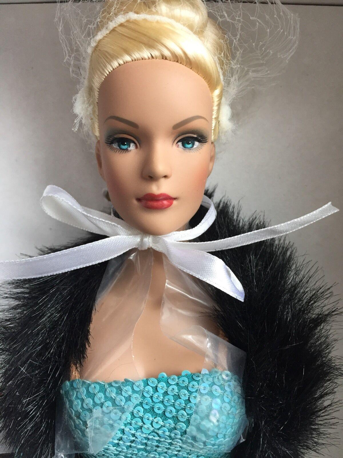 Tonner 16  2004 Tyler Wentworth Crystal Blau FAO Schwartz Excl Fashion Doll NRFB