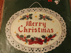 Vtg-1984-MERRY-CHRISTMAS-WALL-HANGING-9x7-Dimensions-Embroidery-Kit-NOS-NIP-NEW