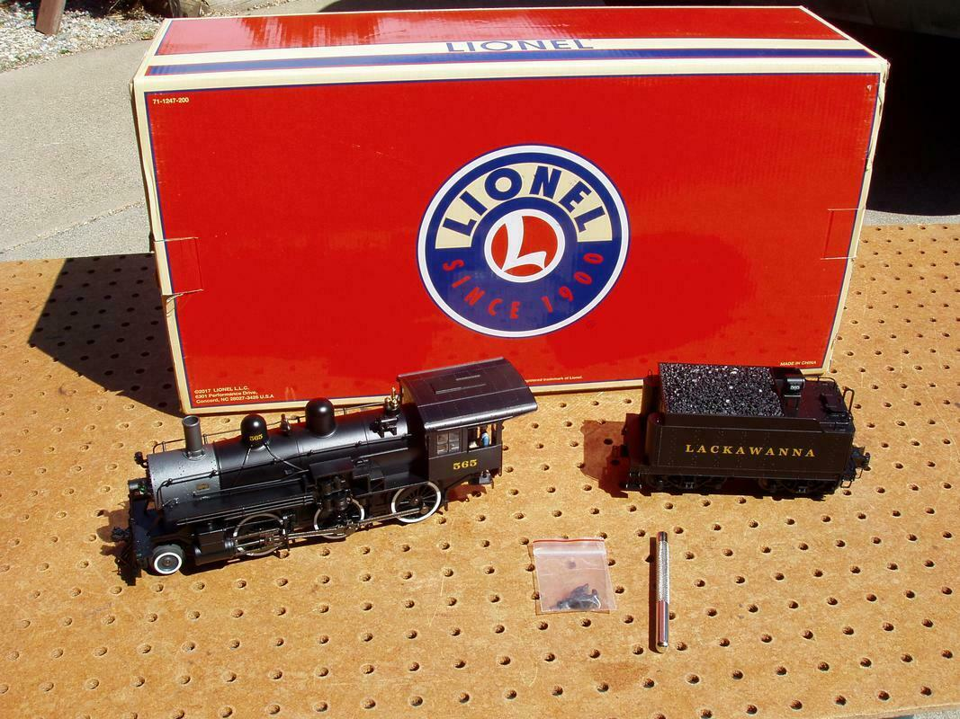 LIONEL LOCOMOTIVE + TINDER 565 DL&W LEGACY 2-6-0 NEVER USED with ORIGINAL BOX
