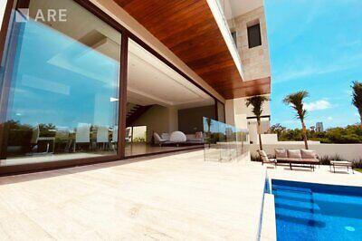 Casa en Venta, Puerto Cancún, Cancún.