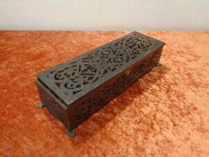 Antiguo-Grifon-Caja-de-Madera-Madera-Caja-Caja-de-Joyeria-Vintage-Defectuoso