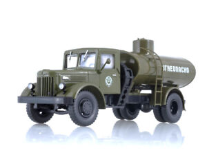 MAZ-200-Soviet-Tanker-Truck-AC-8-200-USSR-1951-Year-1-43-Scale-Diecast-Model