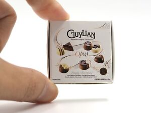 Dollhouse-Miniature-Sylvanian-Families-Guylian-Chocolate-Box-Set-3-4cm