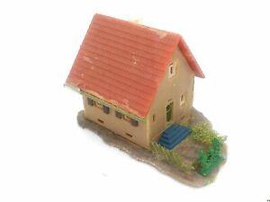 Siedlungshaus-Einfamilienhaus-BELEUCHTET-Spur-N-C814