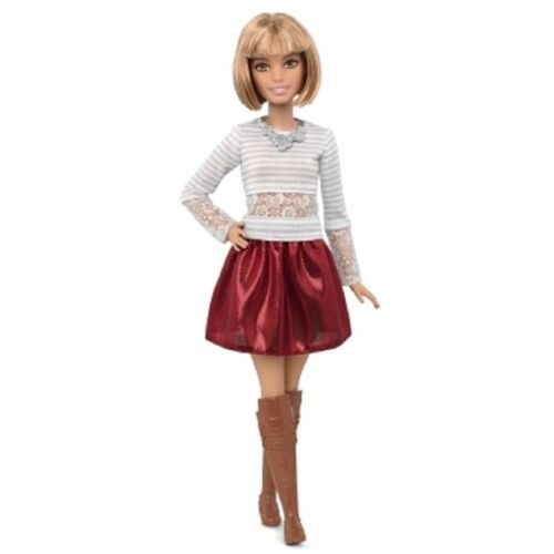 Barbie Fashionistas Barbie Doll # 23 Petite Love that Lace Short Hair New