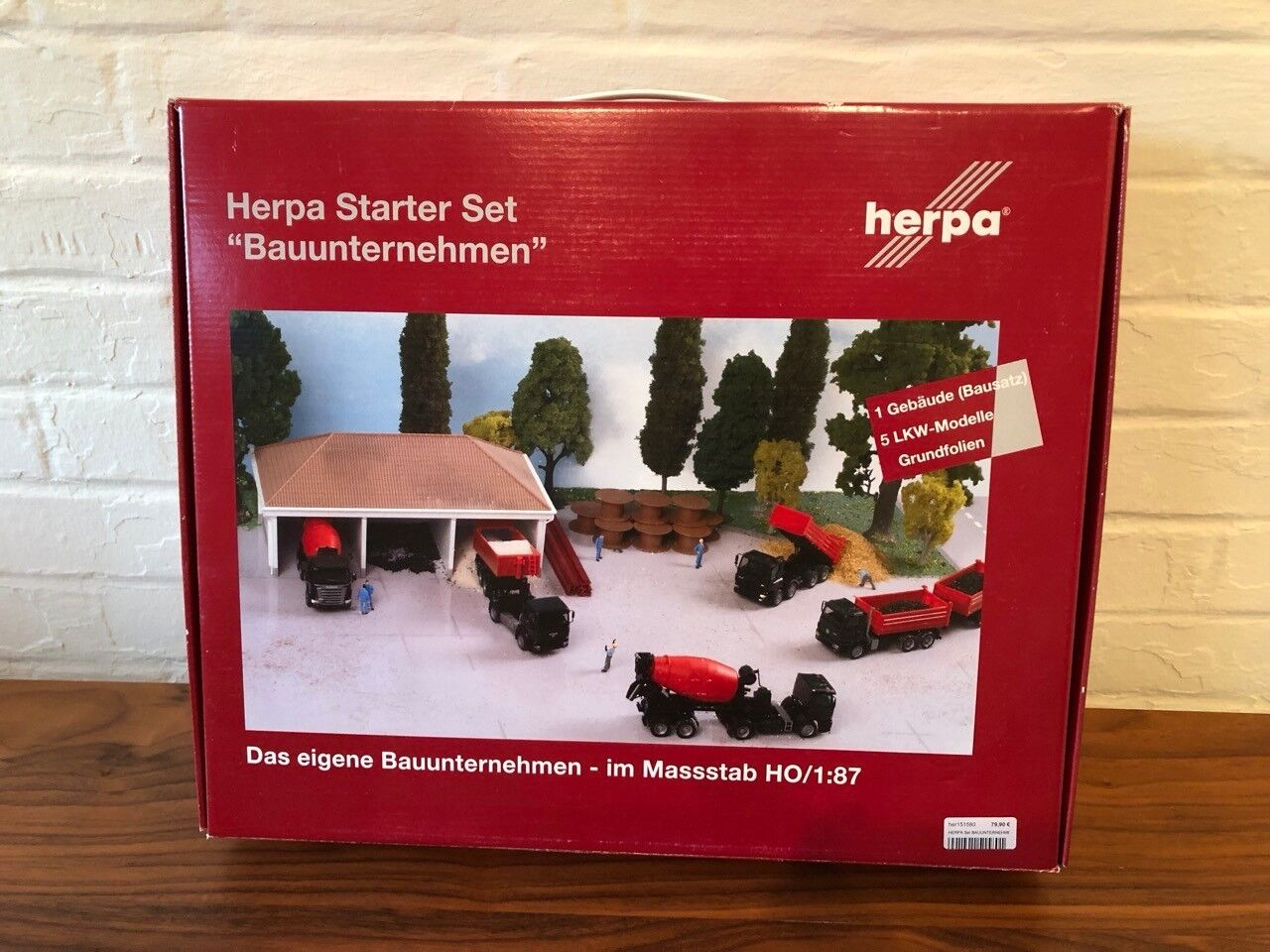 Herpa  151580 1 87 HO Scale Starter Set Construction Site - 5 Camions & Building