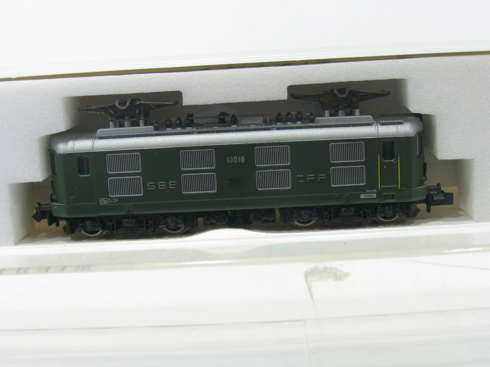 Hobbytrain 11010 E-Locomotive Re 4 4  10018  Green SBB NH228