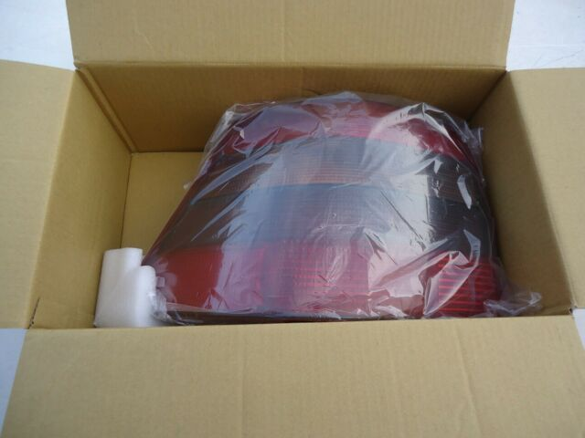 Feu arrière gauche TYC 11-0254-01-2 sans porte-lampe pour GOLF - 8717475025446