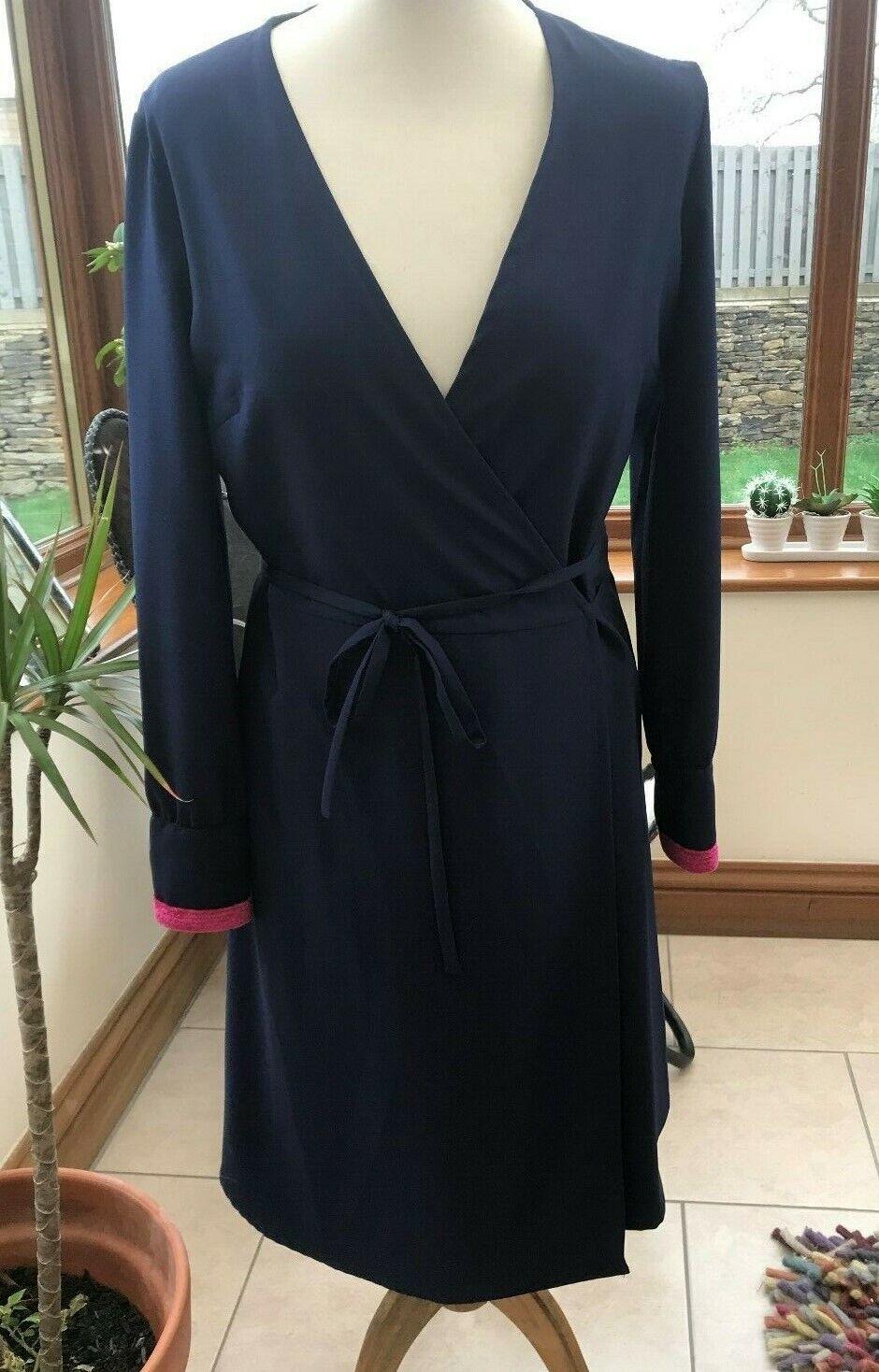 Vilagallo Designer Bleu marine Longueur Genou Robe portefeuille rose velours poignets BNWT s16