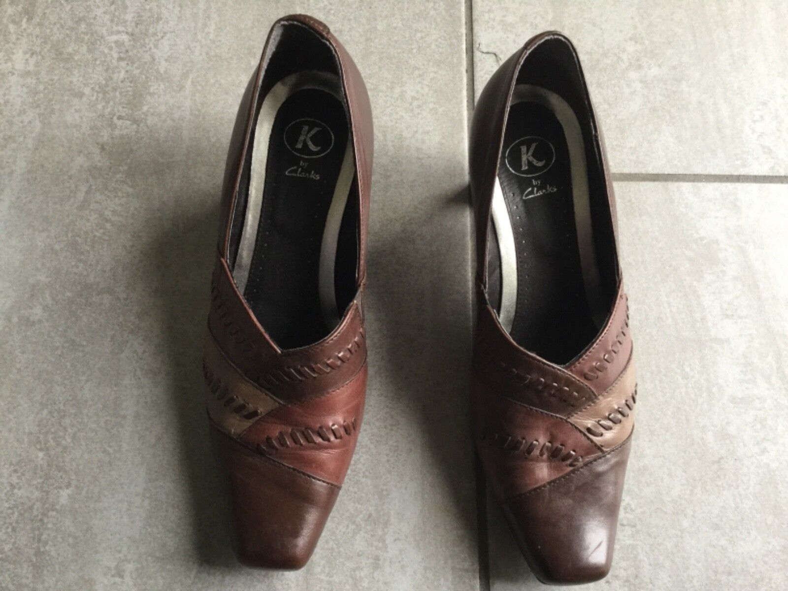 Clarks K Ladies 4. Brown Suede Heeled Shoes Size 4. Ladies Great Condition. 09c811