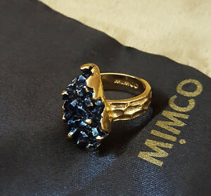 MIMCO-RING-AZURE-BLUE-FAUX-CRYSTAL-CLUSTER-YELLOW-GOLD-TONE-SETTING-LRG