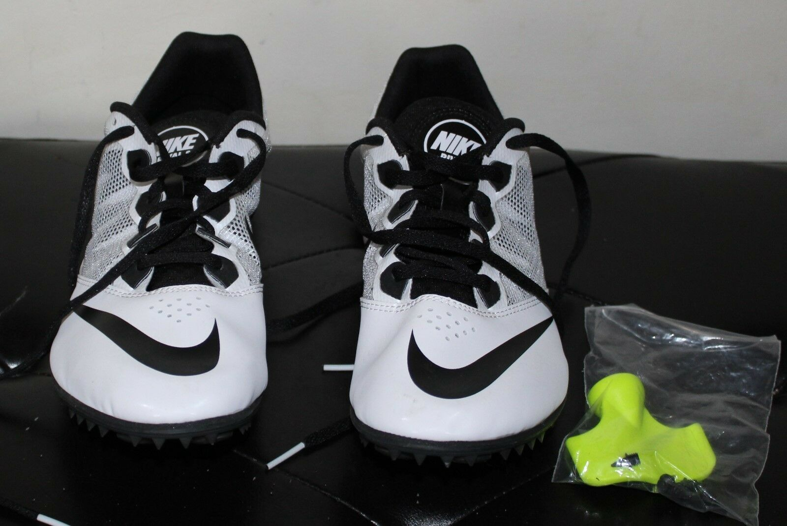 NIKE SPRINT RACING WHITE SHOES BLACK AND WHITE RACING SIZE 11 NO BOX OR TAGS 4a64a3