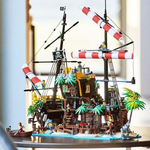 Compatible Ideas Pirates of Barracuda Bay 2545 Pieces