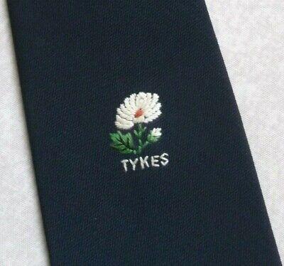 Vintage Cravatta Da Uomo Cravatta Crested Club Associazione Società Daisy Tykes Fiore-mostra Il Titolo Originale Essere Accorti In Materia Di Denaro