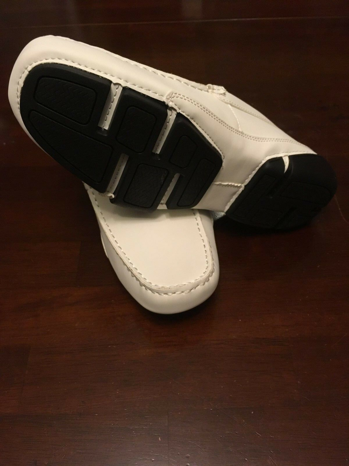 Kenneth cole reaction world hold on white size 8.5 BNWB