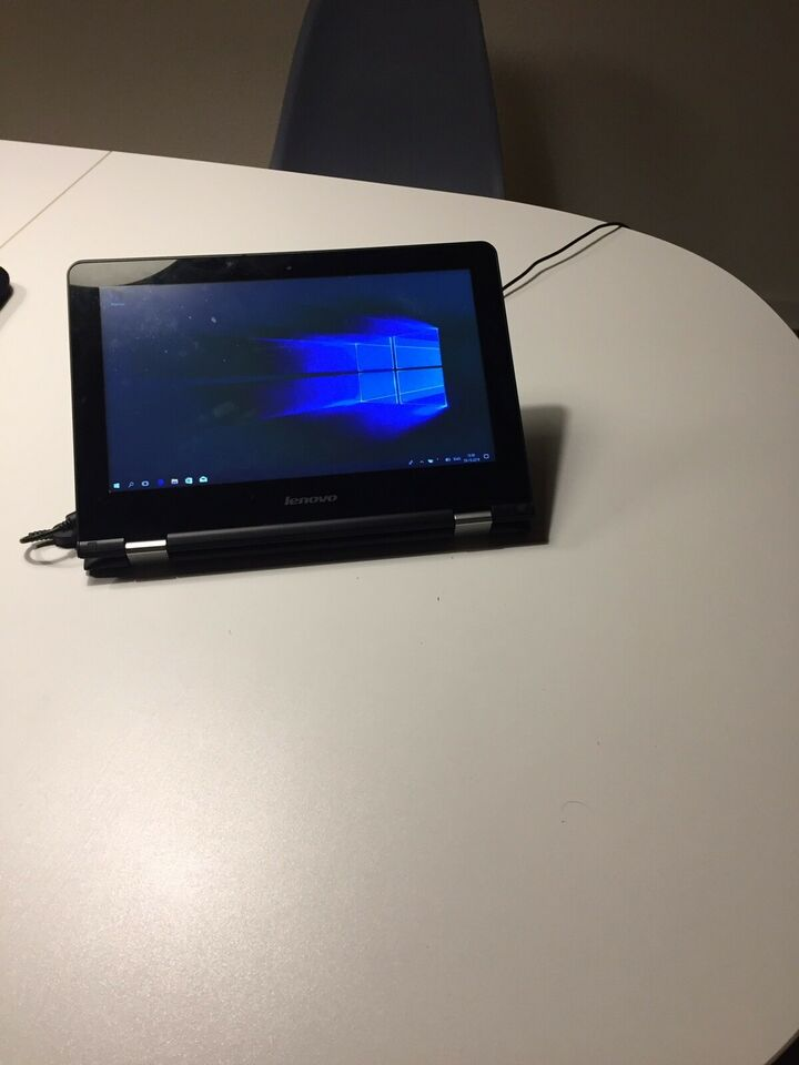 Lenovo Yoga 300, God