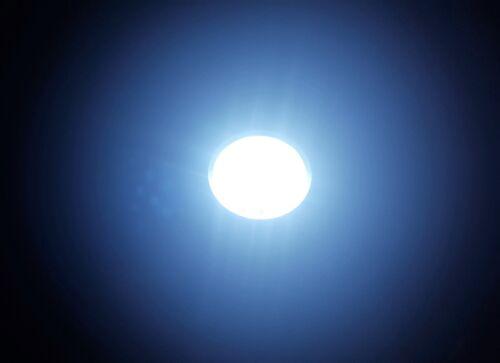 Grundig MarkenTaschenlampe 17 LED High End Power Stabtaschenlampe Taschen Lampe