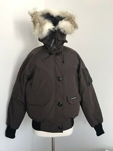 NWT-CANADA-GOOSE-LADIES-DOWN-CHILLIWACK-BOMBER-HOODED-JACKET-SZ-L-G