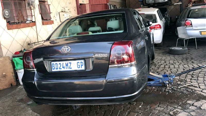 Toyota Avansis stripping for spare parts
