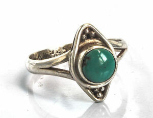 Sterling-Silber-ethno-asiatische-Vintage-Style-tuerkis-Stein-Ring-Groesse-L-1-2-Geschenk