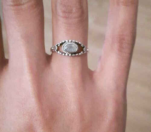 Gorgeous 925 Sterling Silver Rings With Real Indian Rainbow Moonstone RRP £40