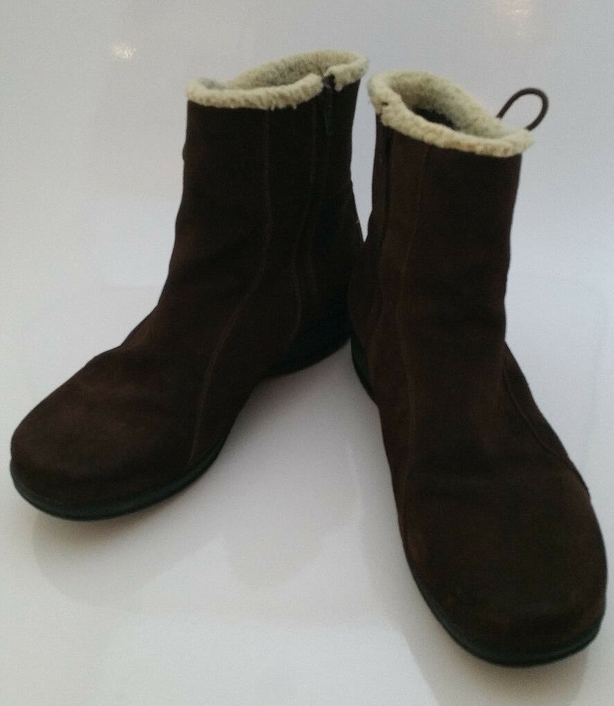 Clarks Angie Madi Water Resistant Brown Suede Ankle Boots Womens 9.5 Wide