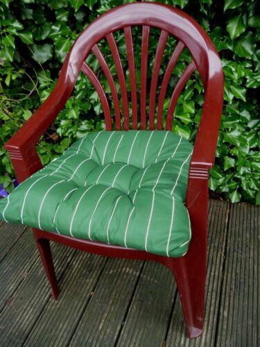 Grün mit weißen Streifen ca SUN GARDEN Sitzkissen Maira 10cm dick 49x48x10cm