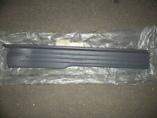 NEW OEM 2001 2002 2003 FORD F150 DOOR SILL PLATE RH GREY