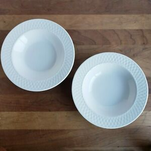 Oneida-Wicker-White-basketweave-stoneware-wide-rim-soup-salad-bowls-lot-of-2