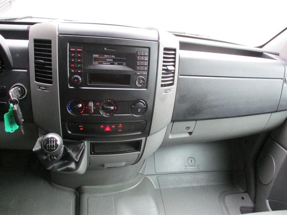 VW Crafter 2,0 TDi 163 Kassevogn L d Diesel modelår 2014 Sort