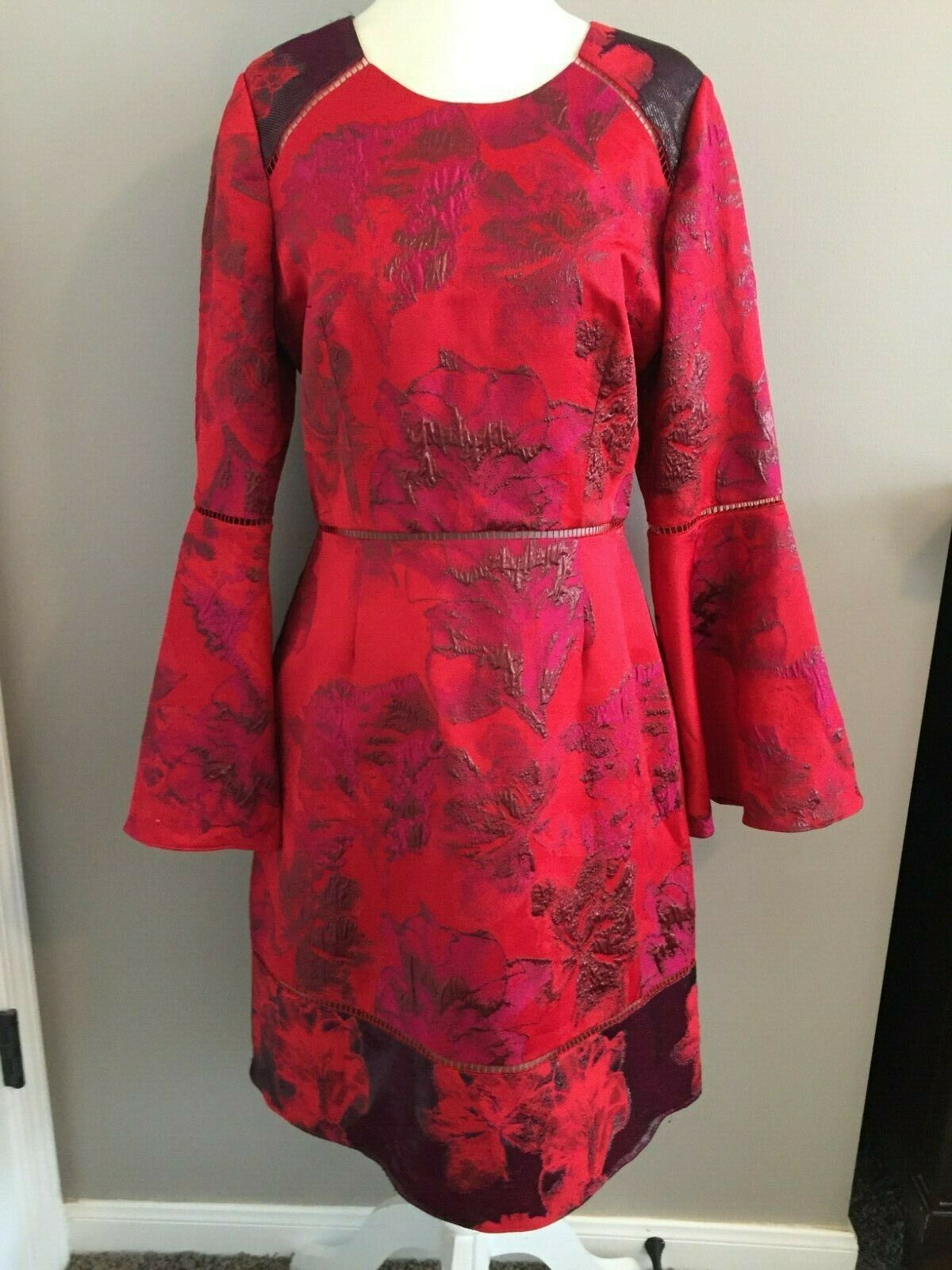 NWT Marchesa Notte Storlek 10 röd Floral Brocade Fit & Flare Dress with Lace Detail